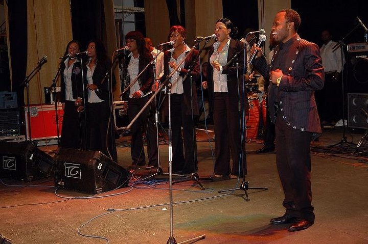 Djino LUKALA & Ses Choristes