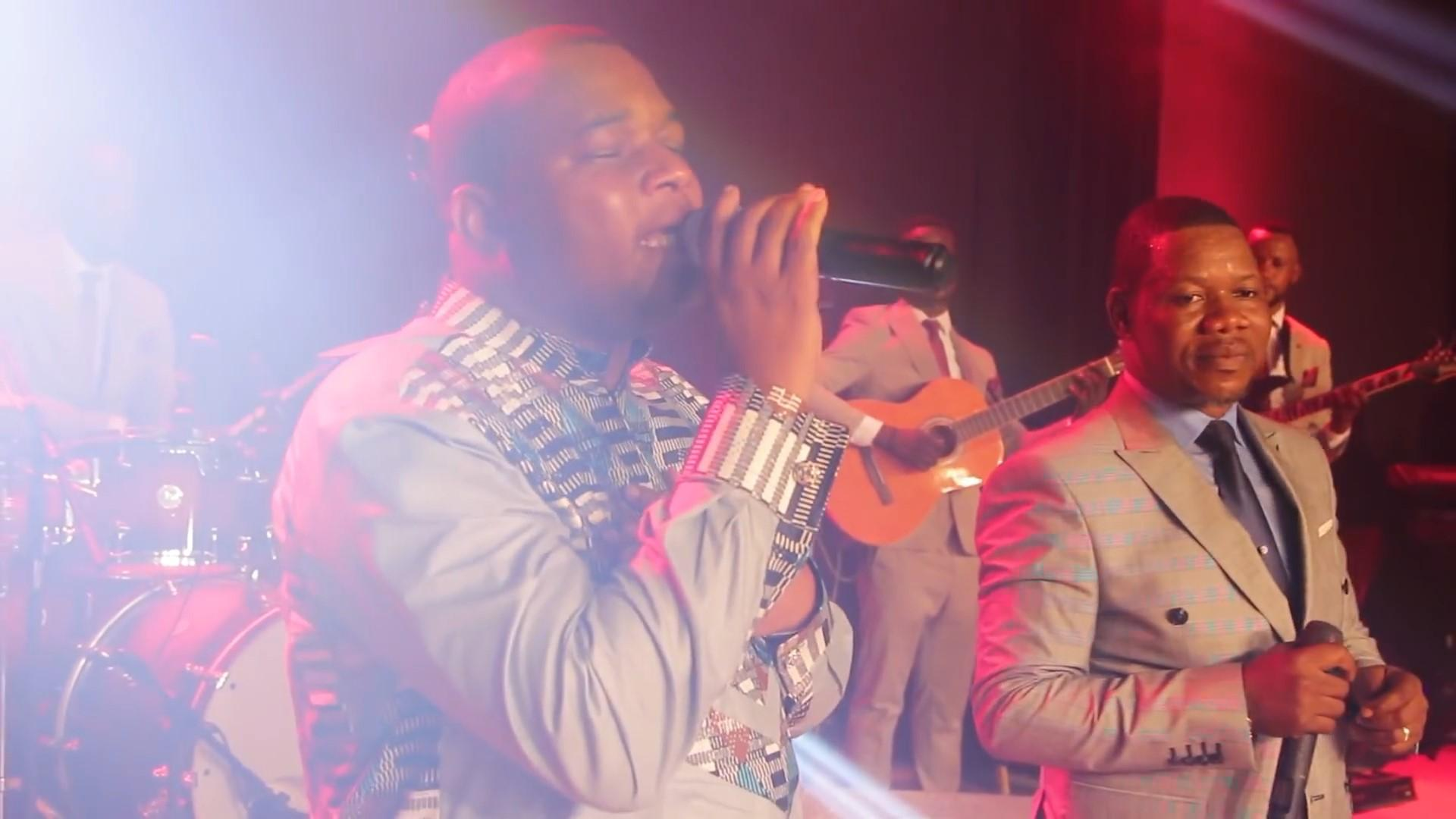 Concertshowbuzz moise matuta feat henry papa live ko yeba yo na bo mwana mp4 snapshot 04 14 687